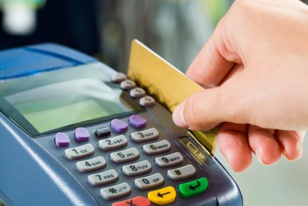Как безопасно пользоваться банковскими картами